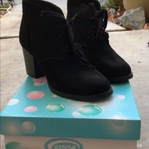 Black size 8 1/2 Booties